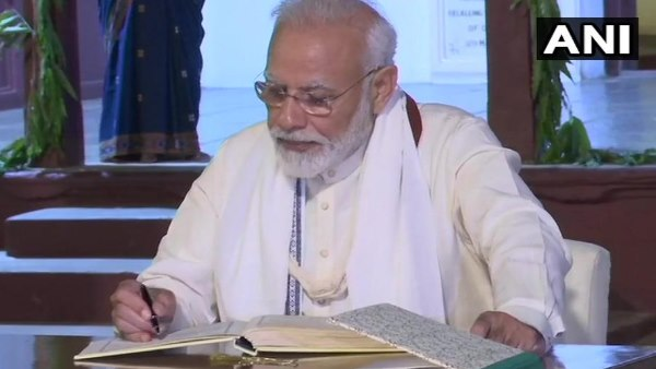 PM Modi penned his thoughts in visitors book tour of Sabarmati Ashram on Gandhis birth anniversay