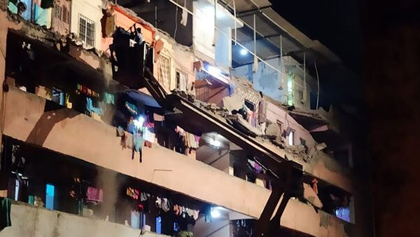 building collapsed in Virar in Maharashtras Palghar district, 5 Year Old Girl dead