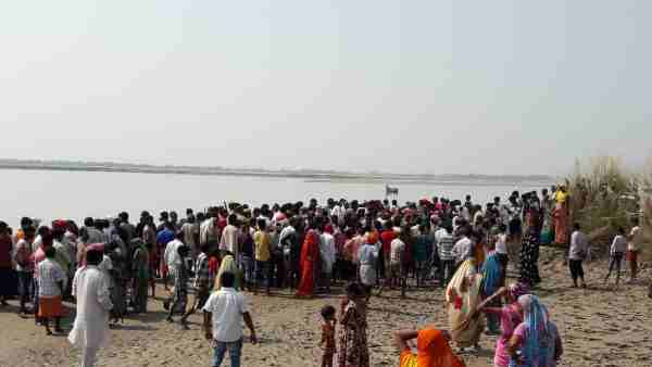 people drowned as boat capsizes in Ghaghra river