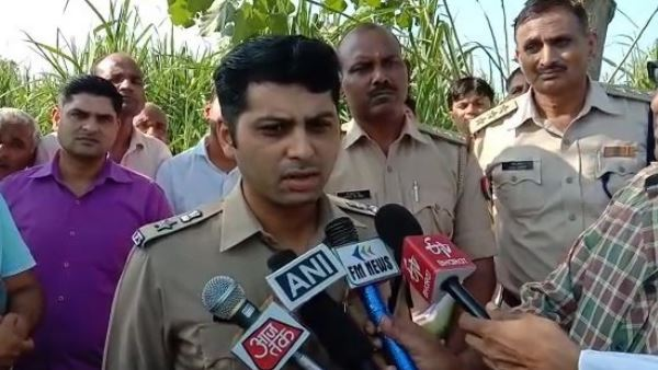 girl dead body found on railway track in saharanpur
