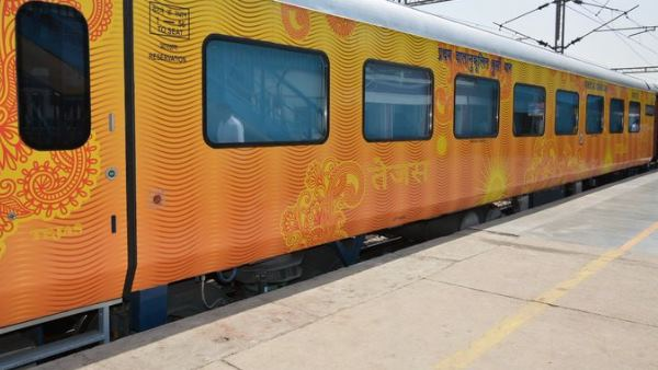 Protest against Tejas Express started in Kanpur