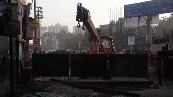 varanasi cantt railway station overconstruction flyover shuttering incident