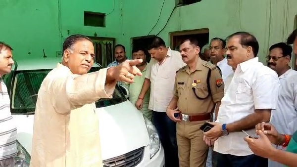 goons did firing on bjp district president alok gupta in mainpuri