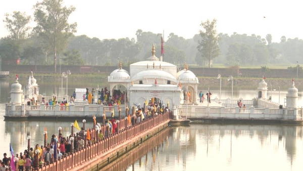 नालंदा के इस मंदिर में दिवाली पर लगाई जाती है लड्डू की बोली, लाखों में बिकता है एक