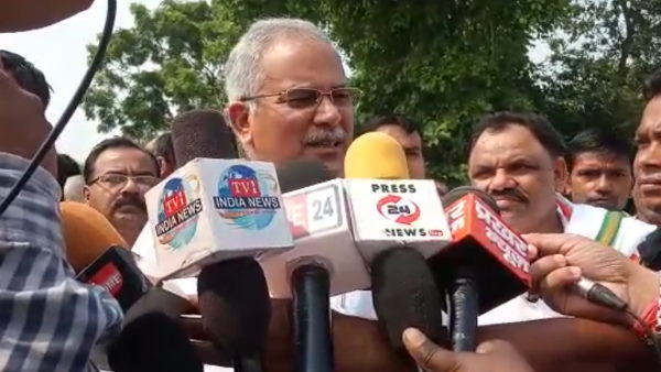 Cm bhupesh baghel statement on pm modi and cm yogi in campaigning of byelection in barabanki