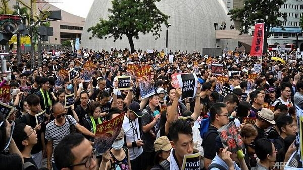Hong Kong government bowed to fierce protests withdrawn Extradition bill