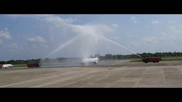 डबोक एयरपोर्ट पर उदयपुर-मुम्बई फ्लाइट को वाटर कैनन से दी सलामी, जानिए क्या है वाटर सैल्यूट, VIDEO