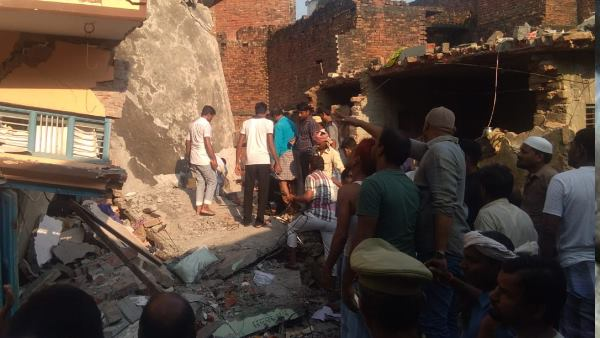 cylinder blast in mau many died and injured