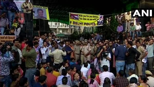 दिल्ली पुलिस ने जो किया वो आजाद भारत का काला दिन, विरोध के पीछे राजनीति: बार काउंसिल ऑफ इंडिया