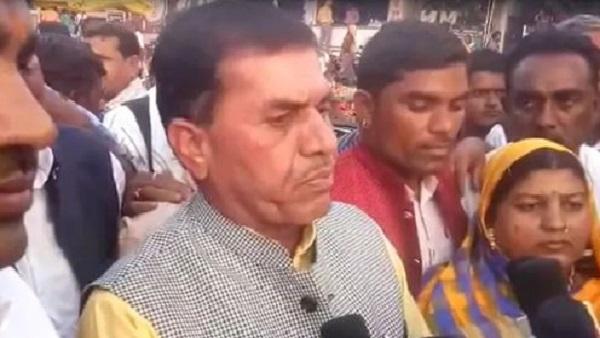 मध्य प्रदेश के कांग्रेस विधायक ने दी धमकी, 'प्रज्ञा ठाकुर यहां आईं तो जिंदा जला देंगे'