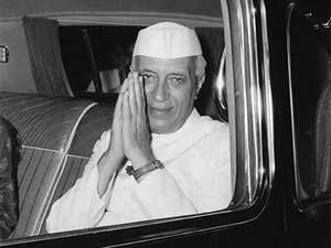 नेहरू का विवाह कमला कौल के साथ हुआ