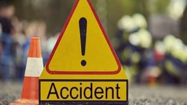 Eight dead after the car they were travelling in fell into a lake in Chhattisgarh