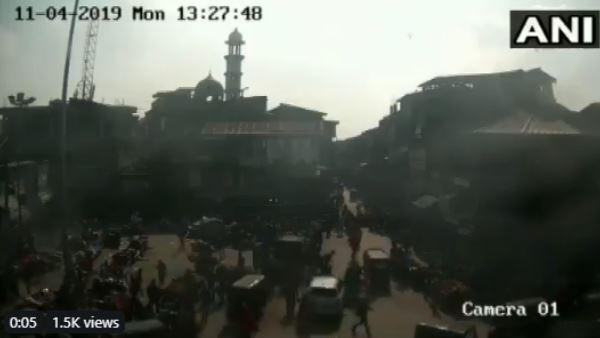 श्रीनगर की मार्किट में ग्रेनेड अटैक का वीडियो सामने आया