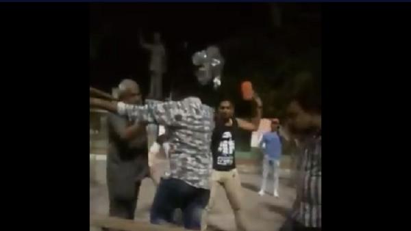 अहमदाबाद में दलित युवकों को कपड़े उतारकर पीटा गया, जिग्नेश मेवाणी ने शेयर किया वीडियो