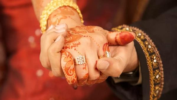 पहला प्यार भुला नहीं पा रही पत्नी, इंजीनियर पति शादी के 7 साल बाद प्रेमी से करवाएगा उसकी लव मैरिज