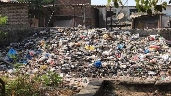 people are single due to waste and garbage in kanpur