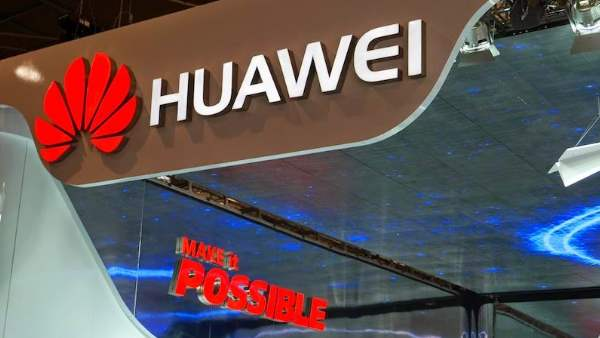 Huawei to pay workers an extra month salary for struggle against US