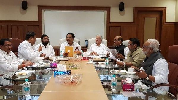 महाराष्ट्र: सरकार बनाने पर माथपच्ची जारी, शिवसेना की कांग्रेस-NCP के साथ बैठक