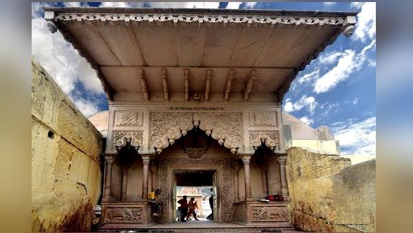 बहुत रहस्यमयी है यह महल, यहां रोज आते हैं कृष्ण, छोड़ जाते हैं निशानियां, PHOTOS