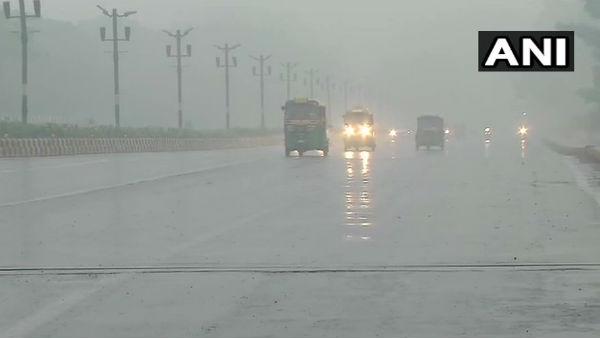 यह पढ़ें: दिल्ली में हुई बारिश, प्रदूषण से राहत मिलने की उम्मीद, अब कम होगी घुटन