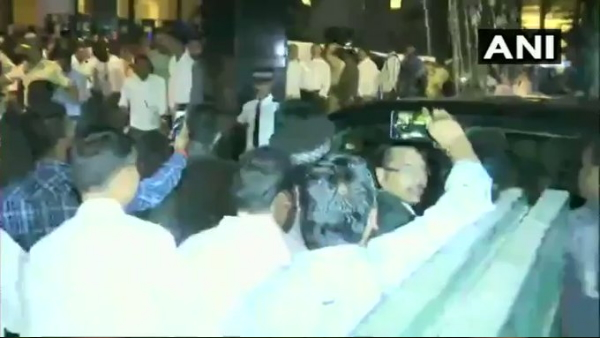 NCP workers shout slogans Maharashtra has only one tiger Sharad Pawar Sharad Pawar