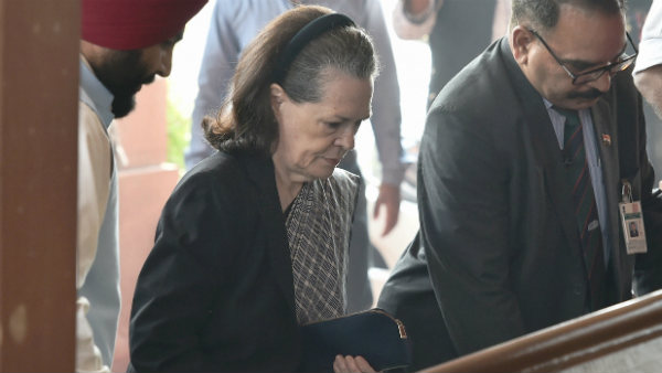 Sonia appeared for the first time on the political crisis in Maharashtra, said no comments