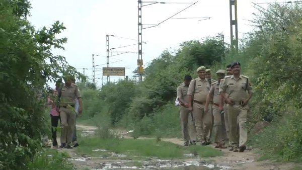 पढ़ें: बिहार का गुंडा जटहवा गैंगवार में मारा गया, इसकी वारदातों से बेगूसराय में व्याप्त था खौफ
