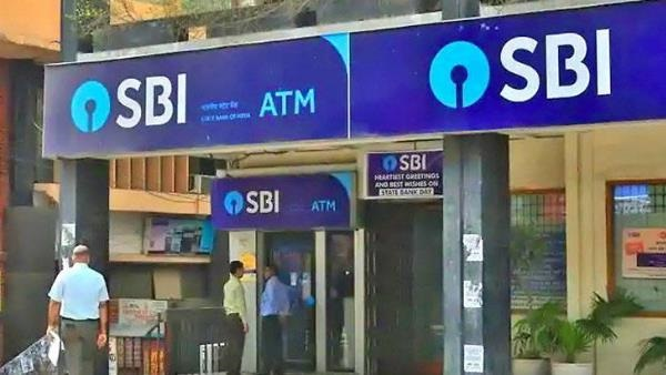 बड़ी खबर: SBI के 42 करोड़ खाताधारकों को झटका! बैंक ने घटाई FD पर ब्याज दरें