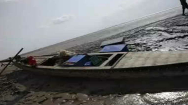 The Border Security Force on Friday seized an abandoned Pakistani fishing boat from Harami Nallah in Sir Creek area off Gujarats Kutch coast.