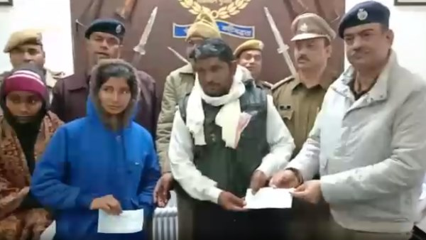 Alwar Police staff gave one day salary to constable family after death