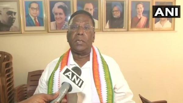 पुडुचेरी: मनमाने ढंग से काम कर रही हैं किरण बेदी, राष्ट्रपति तुरंत बुलाएं वापस- सीएम नारायणसामी