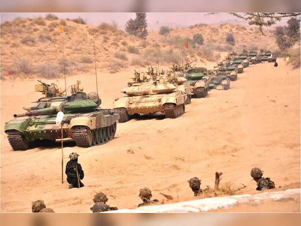 यह भी पढ़ें: रेगिस्तान में 2 माह बाद अब खत्म हुई भारतीय सेना की जोर-अजमाइश, 450 टैंक और 40000 फौजी शामिल हुए