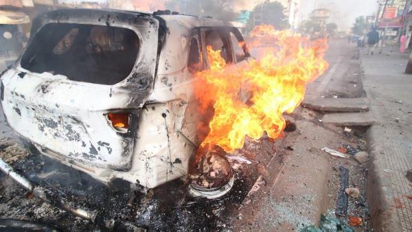हिंसक प्रदर्शन के बाद लखनऊ और बुंदेलखंड यूनिवर्सिटी में कल होने वाली सभी परीक्षाएं रद्द