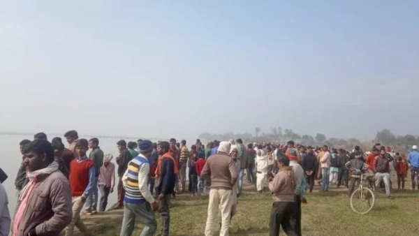 ayodhya saryu river boat accident more than 20 people missing