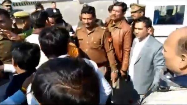 जेपी नड्डा के स्वागत समारोह में भाजपा कार्यकर्ता ने महिला पुलिसकर्मी से की अश्लील हरकत, गिरफ्तार