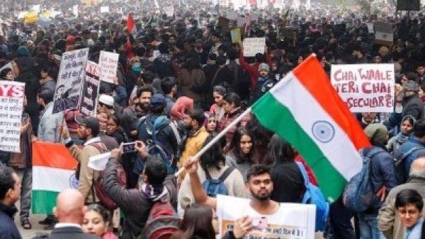 डेमोक्रेसी इंडेक्स में भारत की रैंकिंग में भारी गिरावट, एक साल में 10 पायदान फिसला