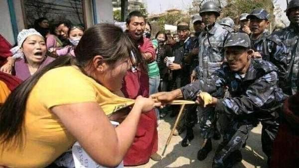 ये भी पढ़ें-क्या सेना के जवान ने असम में महिला प्रदर्शनकारी के कपड़े खींचे, जानिए इस वायरल तस्वीर का सच