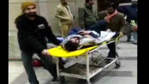 JNU student has been beaten up by university student admitted at Safdarjung Hospital