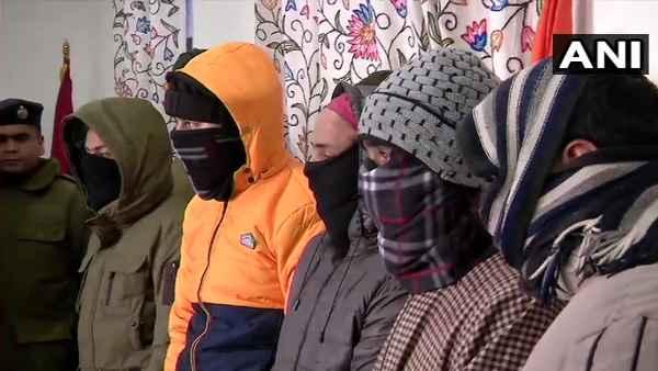 JK:जैश के 5आतंकी गिरफ्तार , 26 जनवरी को हमले की थी योजना