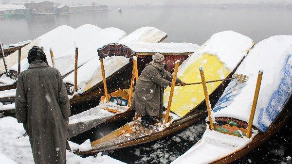मोदी सरकार का कश्मीर के लिए बड़ा तोहफा, 80 हजार करोड़ के पैकेज का ऐलान