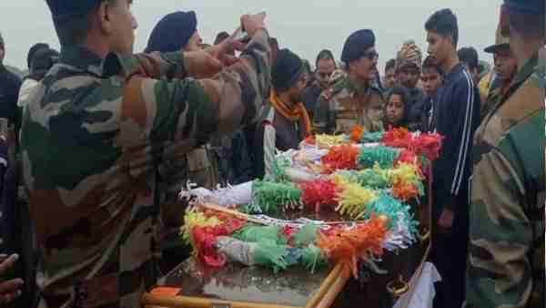 martyr army soldier Dharmendra Singh reached the village ghatampur