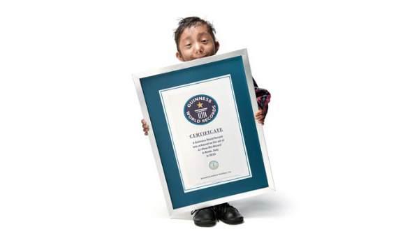 दुनिया के सबसे छोटे व्यक्ति का खिताब जीतने वाले खगेंद्र थापा का निधन, 27 साल थी उम्र