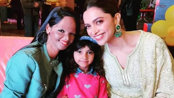 लक्ष्मी अग्रवाल की बेटी ने दीपिका के साथ देखी 'छपाक', मां को गले लगाकर पूछे कई सवाल