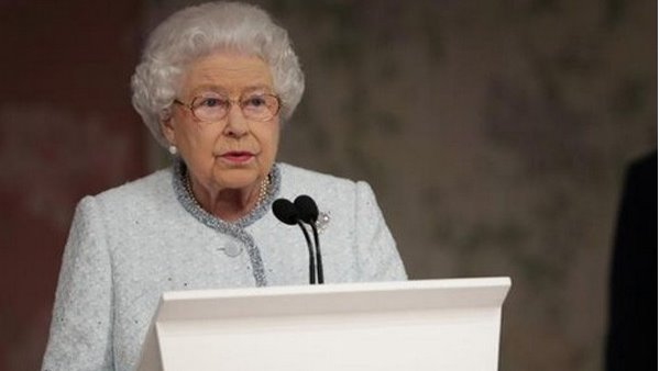 Britains Queen Elizabeth II approves governments Brexit bill