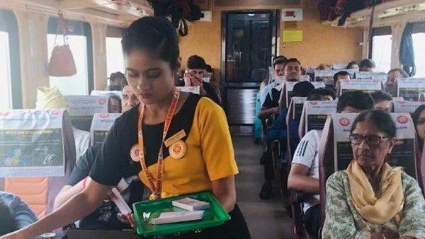 इसे भी पढ़ें:- MNS की धमकी के बाद TEJAS ट्रेन की होस्टेस के सर पर दिखी गांधी टोपी