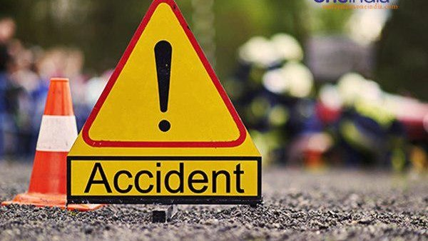 Jharkhand Three people dead after a motorcycle collided with a car in Ranchi