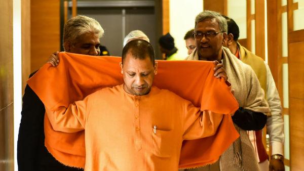 इसे भी पढ़ें- सर्वे: योगीआदित्यनाथ एक बार फिर से सबसे बेहतर काम करने वाले CM बने