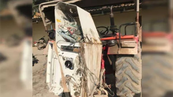ATM Loot After theft a tractor from gajner Bikaner