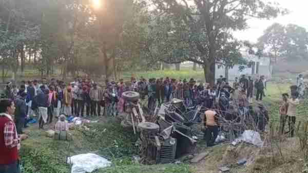 Four killed in a road accident in Balrampur