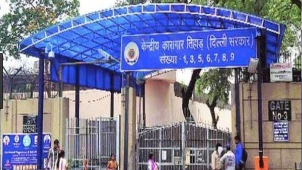 clash broke out between jail inmates & police personnel inside Jail No 4, Tihar Jail